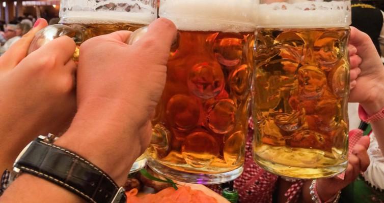 Freie Zimmer Oktoberfest buchen/Kurzurlaub München gemütlich nicht nur zur Biergartensaison/Beer and Munich sounds like having fun